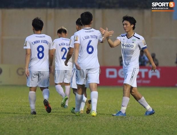 Fan nghi hoặc chiến thắng đậm 5-1 của Xuân Trường và đồng đội trước CLB Hải Phòng tại V.League - Ảnh 4.