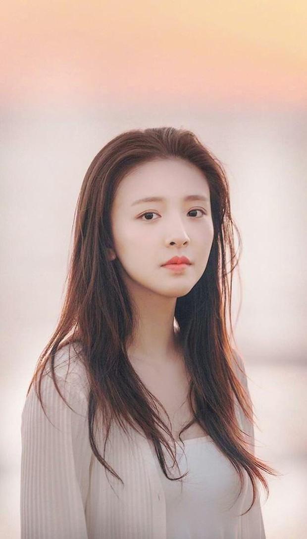 Truyền thông Hongkong chỉ ra 4 người tình màn ảnh: Cá Mực Dương Tử dẫn đầu, người yêu Lộc Hàm bất ngờ out top - Ảnh 12.