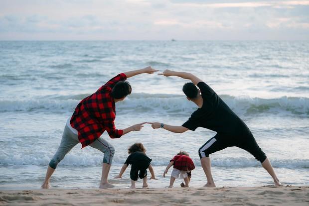 Chụp ảnh gia đình hạnh phúc với vợ mãi cũng chán, Ba Duy và Tùng Sơn quay sang ghép cặp nên đôi với nhau - Ảnh 3.