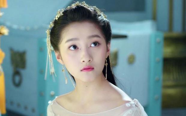 Truyền thông Hongkong chỉ ra 4 người tình màn ảnh: Cá Mực Dương Tử dẫn đầu, người yêu Lộc Hàm bất ngờ out top - Ảnh 2.