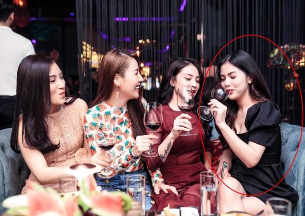 Quế Vân thân thiết hội ngộ vợ cũ Việt Anh dù từng lên tiếng bênh vực đàn anh trước ồn ào ly hôn - Ảnh 1.