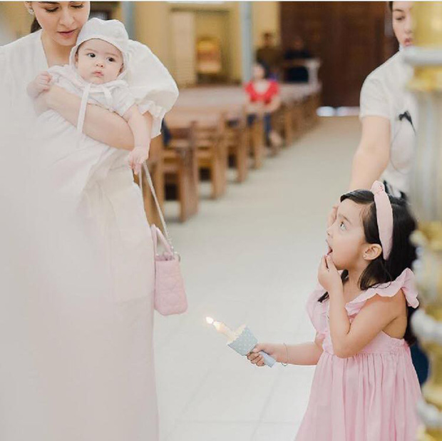 Lễ rửa tội quý tử của Mỹ nhân đẹp nhất Philippines: Nhà 4 người đều đẹp đỉnh cao, con trai ngày càng trổ nét lai như mẹ - Ảnh 5.
