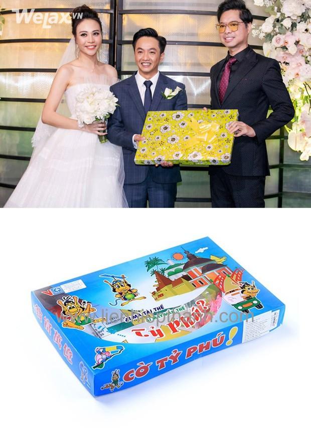Đố bạn biết, món quà bọc giấy hoa vàng mà Ngọc Sơn tặng cho Cường Đô La và Đàm Thu Trang là gì? - Ảnh 4.