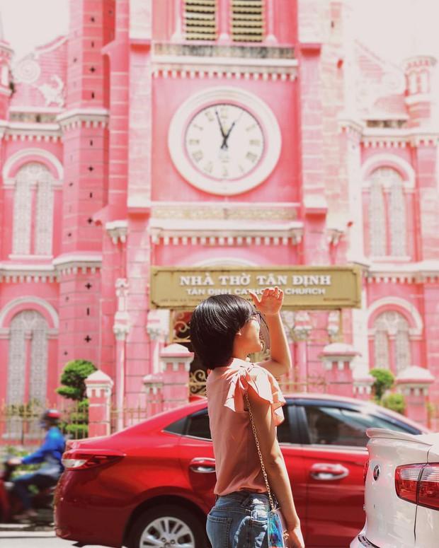 Nhà thờ màu hồng này sắp soán ngôi phố đi bộ và chung cư cà phê để trở thành địa điểm được chụp ảnh nhiều nhất ở Sài Gòn đấy! - Ảnh 29.