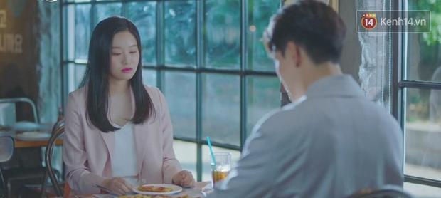 5 lần 7 lượt hiểu nhầm crush, IU nắm ngay cơ hội tỏ tình Yeo Jin Goo ngay tập 6 Hotel Del Luna - Ảnh 12.