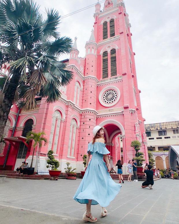 Nhà thờ màu hồng này sắp soán ngôi phố đi bộ và chung cư cà phê để trở thành địa điểm được chụp ảnh nhiều nhất ở Sài Gòn đấy! - Ảnh 22.