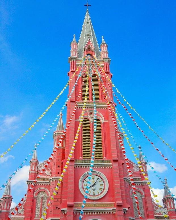 Nhà thờ màu hồng này sắp soán ngôi phố đi bộ và chung cư cà phê để trở thành địa điểm được chụp ảnh nhiều nhất ở Sài Gòn đấy! - Ảnh 11.