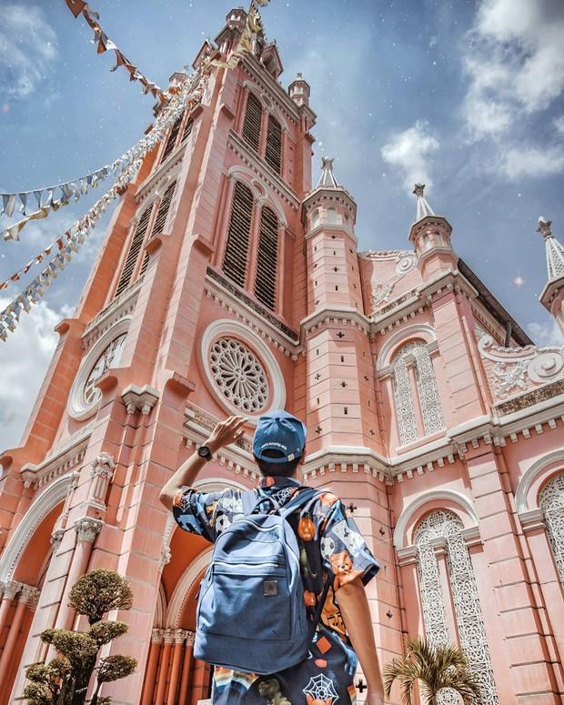 Nhà thờ màu hồng này sắp soán ngôi phố đi bộ và chung cư cà phê để trở thành địa điểm được chụp ảnh nhiều nhất ở Sài Gòn đấy! - Ảnh 10.