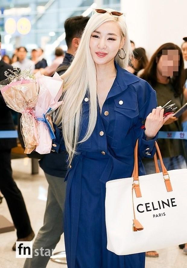 Dàn mỹ nhân hot nhất xứ Hàn đồng loạt đổ bộ sân bay: Tiffany mặt khác lạ, nữ thần Irene và Red Velvet đè bẹp cả TWICE - Ảnh 2.