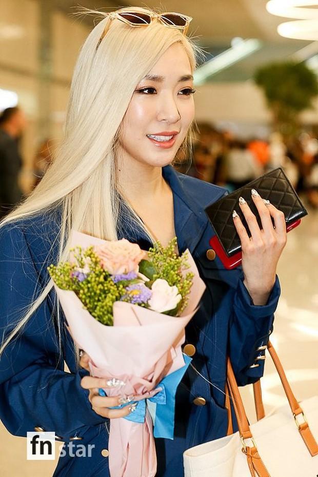 Dàn mỹ nhân hot nhất xứ Hàn đồng loạt đổ bộ sân bay: Tiffany mặt khác lạ, nữ thần Irene và Red Velvet đè bẹp cả TWICE - Ảnh 3.