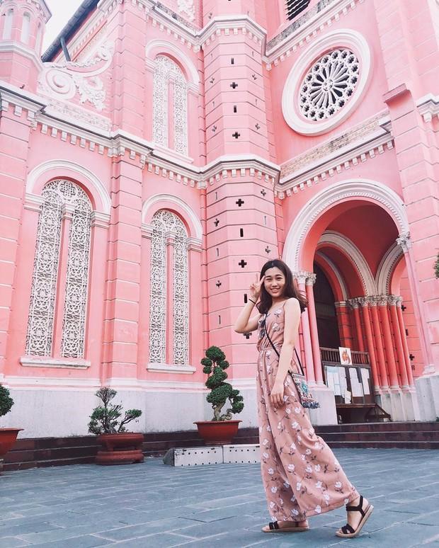 Nhà thờ màu hồng này sắp soán ngôi phố đi bộ và chung cư cà phê để trở thành địa điểm được chụp ảnh nhiều nhất ở Sài Gòn đấy! - Ảnh 23.