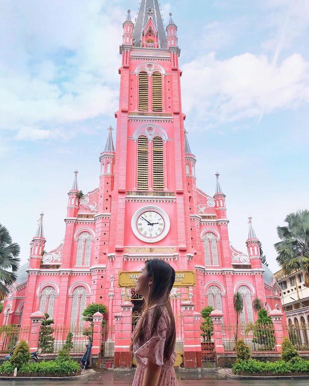 Nhà thờ màu hồng này sắp soán ngôi phố đi bộ và chung cư cà phê để trở thành địa điểm được chụp ảnh nhiều nhất ở Sài Gòn đấy! - Ảnh 28.