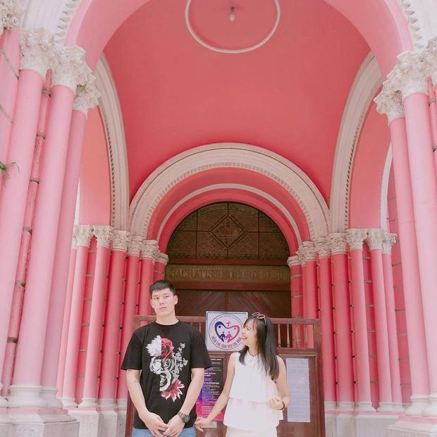 Nhà thờ màu hồng này sắp soán ngôi phố đi bộ và chung cư cà phê để trở thành địa điểm được chụp ảnh nhiều nhất ở Sài Gòn đấy! - Ảnh 27.