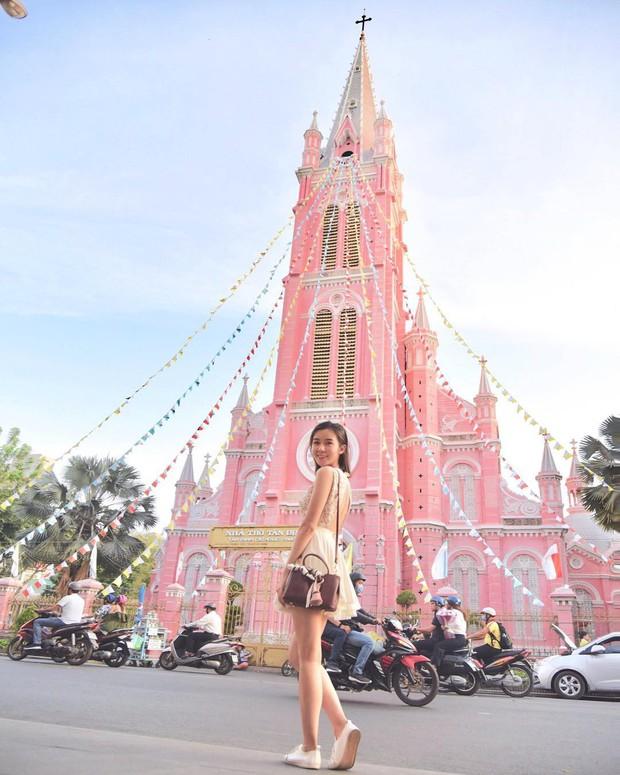 Nhà thờ màu hồng này sắp soán ngôi phố đi bộ và chung cư cà phê để trở thành địa điểm được chụp ảnh nhiều nhất ở Sài Gòn đấy! - Ảnh 24.
