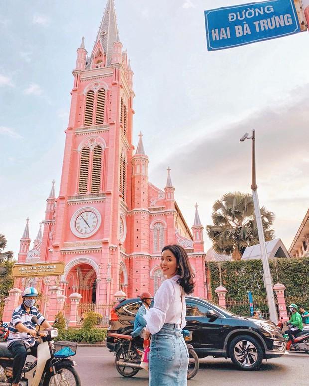 Nhà thờ màu hồng này sắp soán ngôi phố đi bộ và chung cư cà phê để trở thành địa điểm được chụp ảnh nhiều nhất ở Sài Gòn đấy! - Ảnh 25.