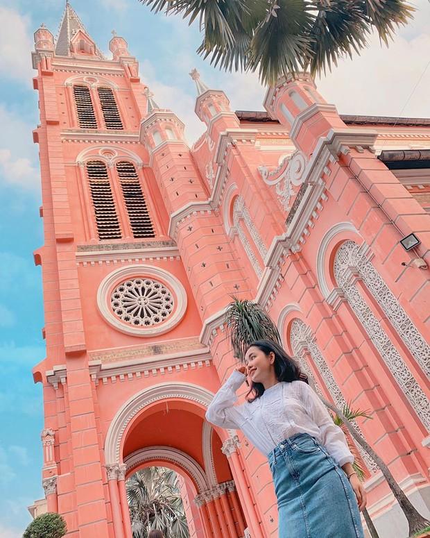 Nhà thờ màu hồng này sắp soán ngôi phố đi bộ và chung cư cà phê để trở thành địa điểm được chụp ảnh nhiều nhất ở Sài Gòn đấy! - Ảnh 31.