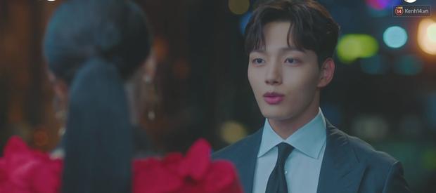 Sợ IU phải trả nghiệp hóa nồi canh gà, Yeo Jin Goo hết mình giúp sếp tích đức trong tập 6 Hotel Del Luna - Ảnh 2.