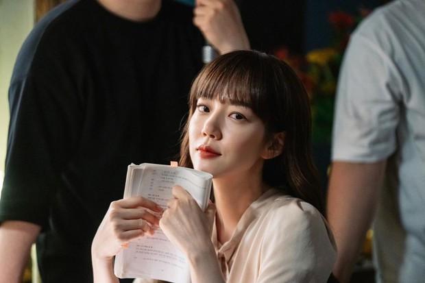Hội mỹ nhân không tuổi xứ Hàn chống lão hóa thế nào để U40 vẫn sở hữu làn da trẻ thơ? - Ảnh 2.