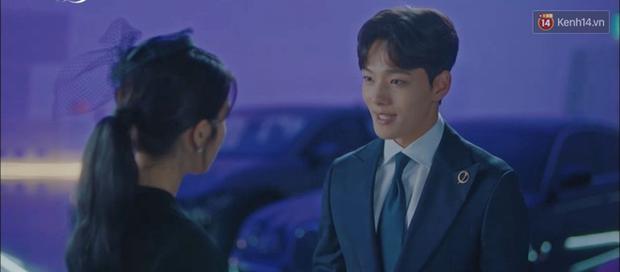 Sợ IU phải trả nghiệp hóa nồi canh gà, Yeo Jin Goo hết mình giúp sếp tích đức trong tập 6 Hotel Del Luna - Ảnh 4.