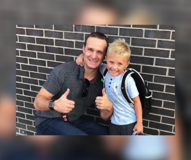 Giữ lời hứa thay bố chăm sóc mẹ, cậu bé 6 tuổi mở quán nước chanh trước cửa nhà và cái kết khiến mọi người rưng rưng xúc động - Ảnh 6.