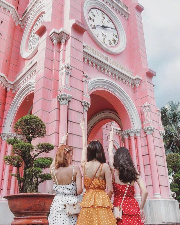Nhà thờ màu hồng này sắp soán ngôi phố đi bộ và chung cư cà phê để trở thành địa điểm được chụp ảnh nhiều nhất ở Sài Gòn đấy! - Ảnh 26.