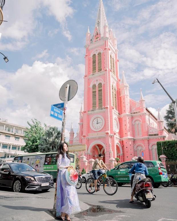 Nhà thờ màu hồng này sắp soán ngôi phố đi bộ và chung cư cà phê để trở thành địa điểm được chụp ảnh nhiều nhất ở Sài Gòn đấy! - Ảnh 5.