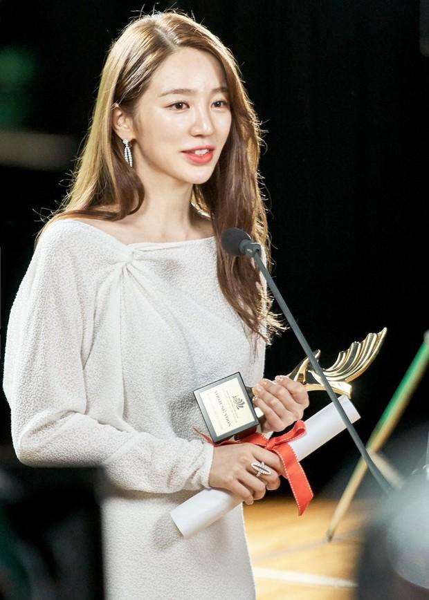 Dàn diễn viên Hoàng cung sau 13 năm: 2 nam chính dính bê bối chất cấm, lừa bạn gái, Song Ji Hyo lấn át cả nữ chính - Ảnh 3.