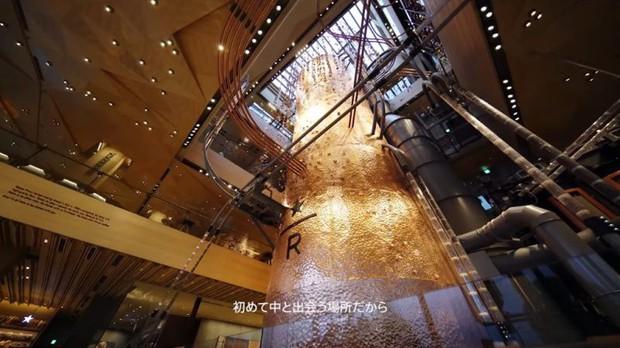 Starbucks mở chi nhánh siêu to khổng lồ nhất thế giới ở Nhật và bạn sẽ không tưởng tượng được nó hoành tráng cỡ nào - Ảnh 2.