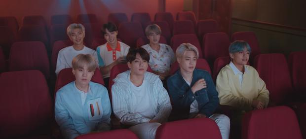 BTS ra MV Nhật: Âm nhạc xoa dịu tâm hồn nhưng gây sát thương bởi cảnh tay ba của các thành viên hot nhất - Ảnh 2.