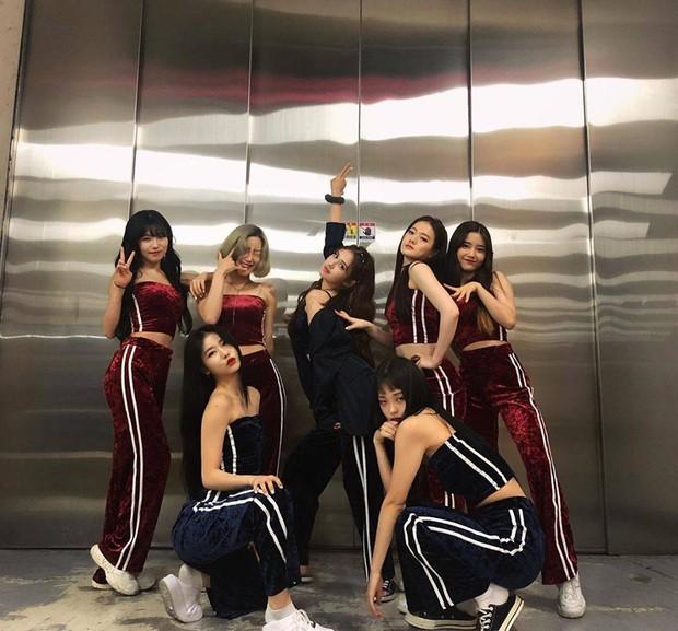 Đợt quảng bá của Somi sai quá sai: Là ca sĩ nhưng bị nhầm thành vũ công vì một chi tiết oái ăm - Ảnh 4.