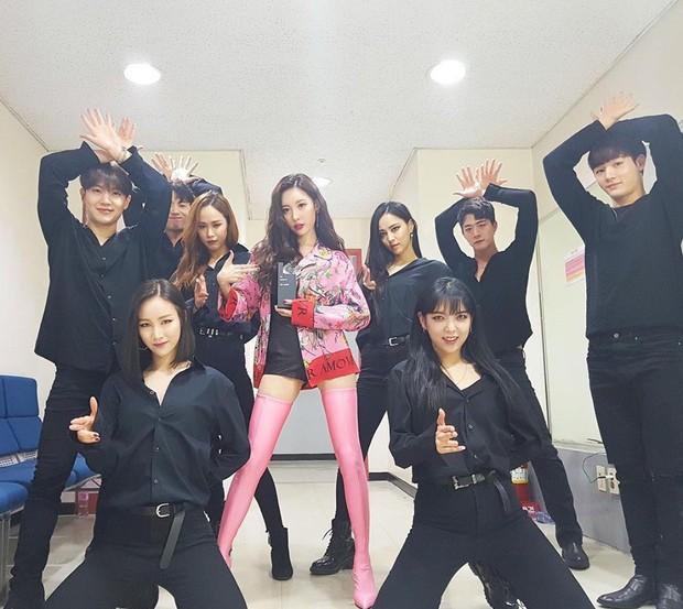 Đợt quảng bá của Somi sai quá sai: Là ca sĩ nhưng bị nhầm thành vũ công vì một chi tiết oái ăm - Ảnh 5.