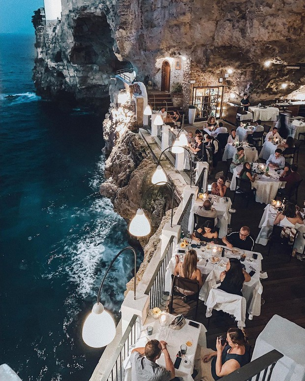 Nhà hàng trong hang động lãng mạn nhất nước Ý: Có khả năng gây mê cao cho bất kì cặp đôi nào hẹn hò tại đây - Ảnh 1.