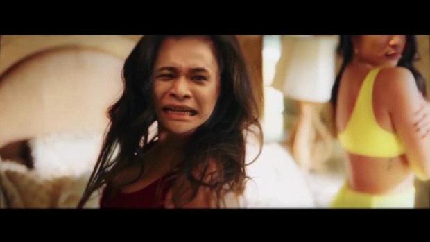 Sơn Tùng M-TP ra mắt MV Hãy Trao Cho Anh, không hiểu vì sao Độ Mixi là cái tên bị troll nhiều nhất làng game! - Ảnh 9.
