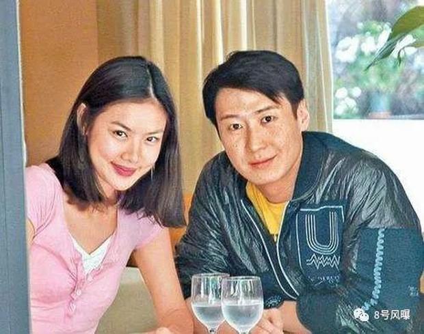 Lại thêm mỹ nhân bị đại gia rởm lừa hôn: Siêu mẫu gốc Việt Lạc Cơ Nhi kết hôn với CEO phá sản hậu ly hôn Lê Minh - Ảnh 2.