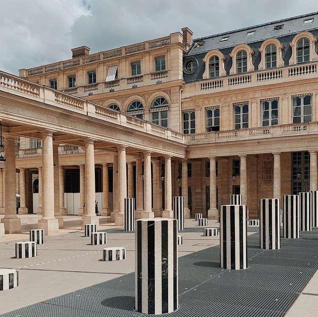 """Jennie (BLACKPINK) đăng hình hoài niệm Paris, ngoài """"dáng đứng Bến Tre"""" fan còn thấy cô ghé qua địa điểm nổi tiếng nhất nhì nước Pháp này - Ảnh 5."""