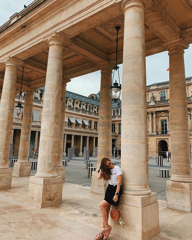 """Jennie (BLACKPINK) đăng hình hoài niệm Paris, ngoài """"dáng đứng Bến Tre"""" fan còn thấy cô ghé qua địa điểm nổi tiếng nhất nhì nước Pháp này - Ảnh 14."""