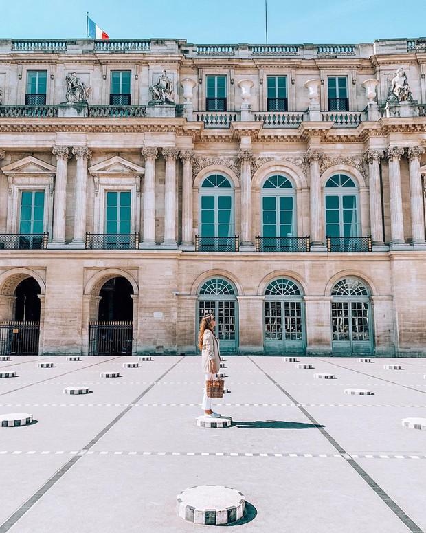 """Jennie (BLACKPINK) đăng hình hoài niệm Paris, ngoài """"dáng đứng Bến Tre"""" fan còn thấy cô ghé qua địa điểm nổi tiếng nhất nhì nước Pháp này - Ảnh 18."""