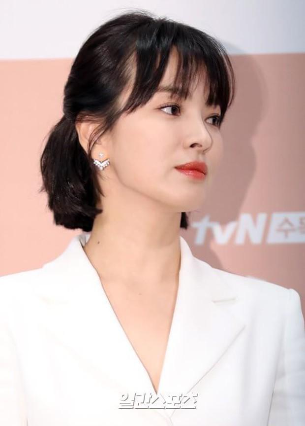 Tìm ra thời điểm Song Song trục trặc: Song Hye Kyo không dự hôn lễ quản lý của chồng, Song Joong Ki đầy khó xử - Ảnh 2.