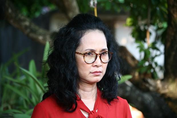 Cuộc sống thăng trầm của những bà mẹ chồng trên màn ảnh phim Việt: Người 2 lần làm vợ lẽ, người hạnh phúc viên mãn sau 40 năm hôn nhân - Ảnh 4.