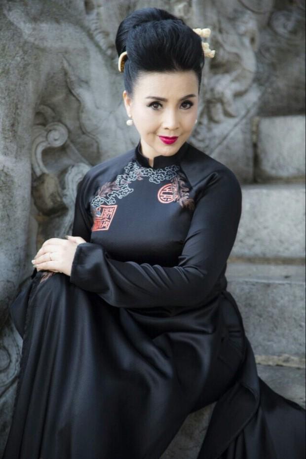 Cuộc sống thăng trầm của những bà mẹ chồng trên màn ảnh phim Việt: Người 2 lần làm vợ lẽ, người hạnh phúc viên mãn sau 40 năm hôn nhân - Ảnh 10.