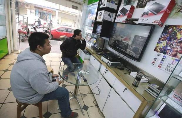 Cuộc chiến chống nghiện game tại Trung Quốc: Chính phủ sắp cấm cả nội dung yêu đương trong game - Ảnh 2.