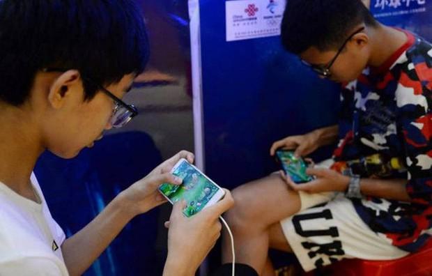 Cuộc chiến chống nghiện game tại Trung Quốc: Chính phủ sắp cấm cả nội dung yêu đương trong game - Ảnh 1.
