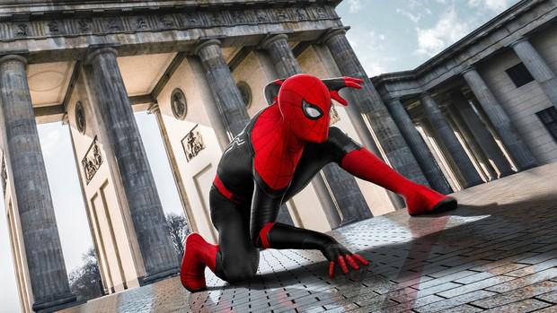 Spider-man: Far From Home – Mê Nhện Tom Holland và mệt vì Jake Gyllenhaal - Ảnh 1.