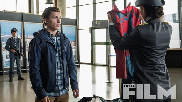 Spider-man: Far From Home – Mê Nhện Tom Holland và mệt vì Jake Gyllenhaal - Ảnh 10.