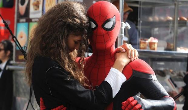 Spider-man: Far From Home – Mê Nhện Tom Holland và mệt vì Jake Gyllenhaal - Ảnh 8.