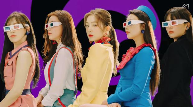 Red Velvet: Lúc debut tưởng như có tất cả, sau 5 năm lại lép vế hẳn so với TWICE và BLACKPINK, vì đâu nên nỗi? - Ảnh 6.