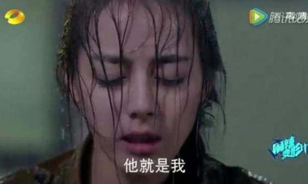 Thử thách nhan sắc dưới mưa của dàn sao Cbiz: Người đẹp đến nao lòng, kẻ nhếch nhác với mái tóc phản chủ - Ảnh 14.