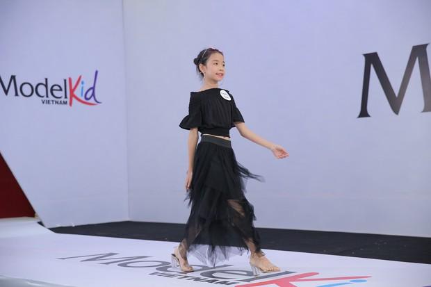 Model Kid Vietnam: Tại sao trẻ em cứ phải son phấn, mặc đồ người lớn mới được công nhận là mẫu nhí? - Ảnh 12.