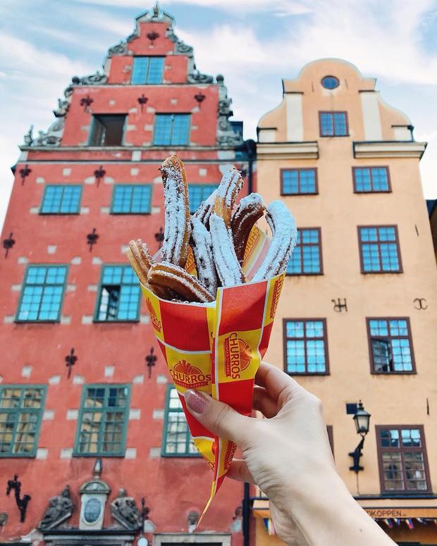 Mặc dù Lisa selfie cùng churros giữa Stockholm (Thuỵ Điển), nhưng hoá ra đó lại là món ăn đường phố nổi tiếng ở một nơi… chẳng liên quan gì - Ảnh 10.