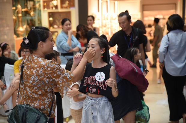Model Kid Vietnam: Tại sao trẻ em cứ phải son phấn, mặc đồ người lớn mới được công nhận là mẫu nhí? - Ảnh 15.